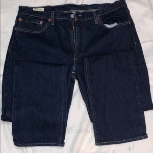 Men's Levi's navy blue jeans